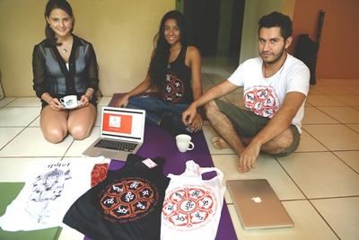 Volunteers help a small business in Costa Rica