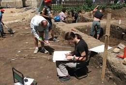 Volunteer Archaeology